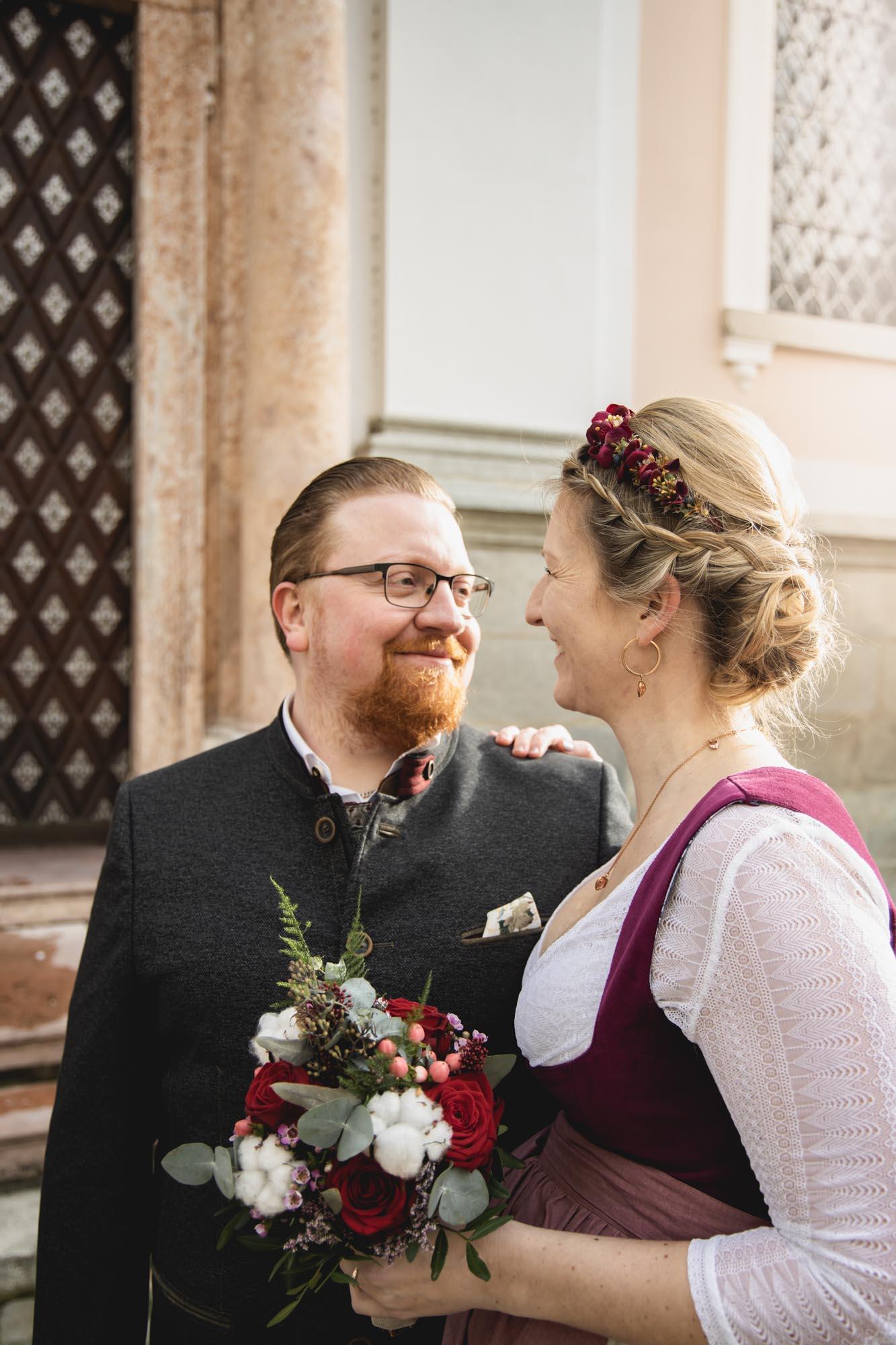 Glückliches Brautpaar in Passau